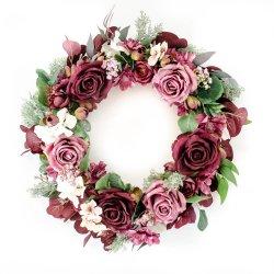 Wianek z różowych kwiatów -...