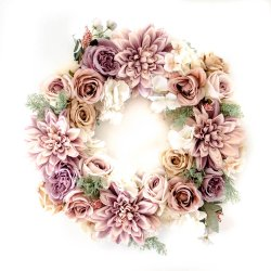 wianek na drzwi z herbacianych róż