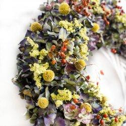 Wianek z suszonych kwiatów,...